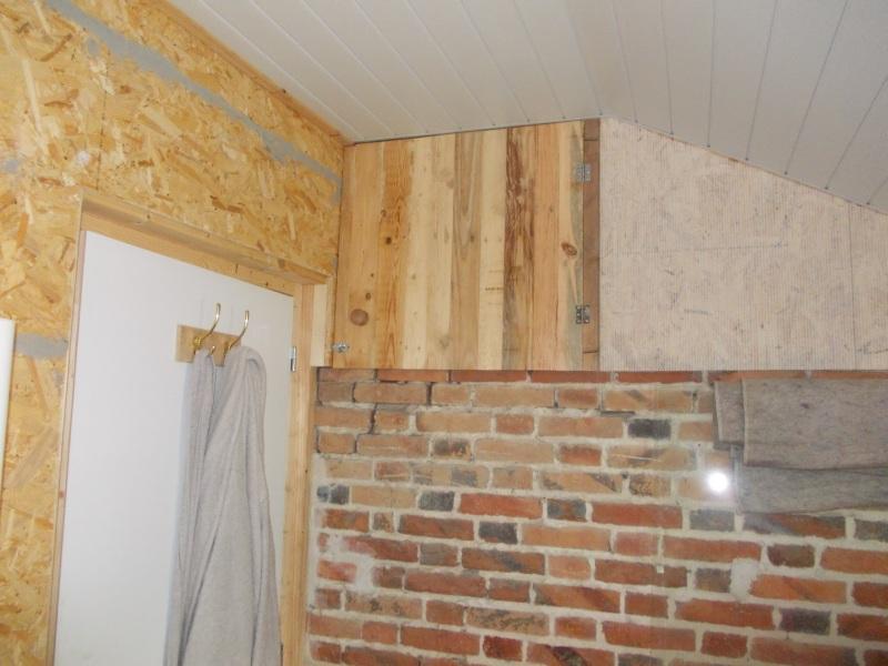 Pallet wood cupboard door